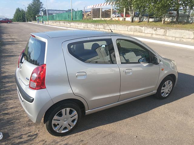 Nissan Pixo-3